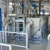 Planta compacta con desarenador longitudinal para pretratamiento mecánico de aguas residuales